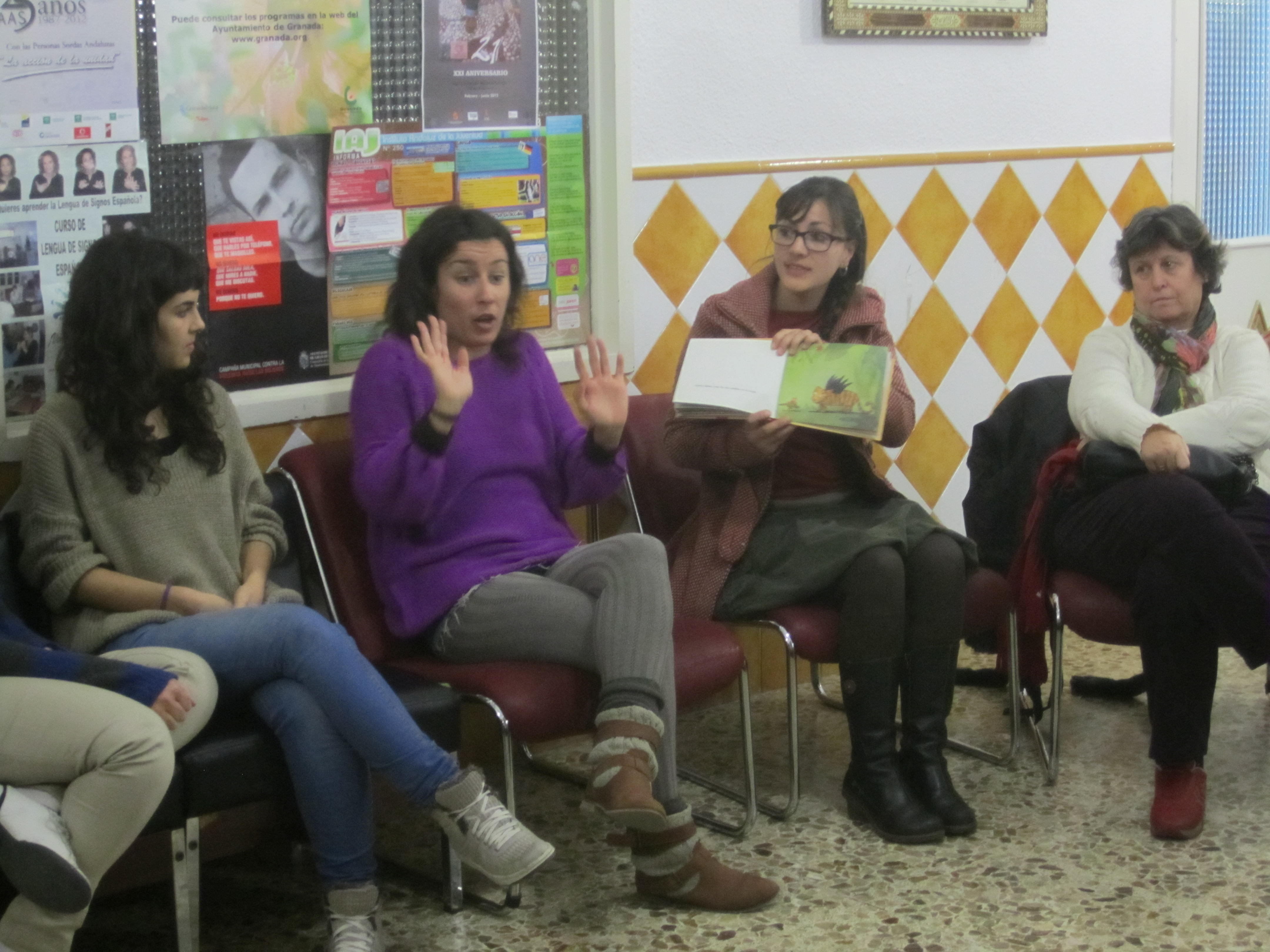 Lecturas en la Agrupación de Personas Sordas de Granada